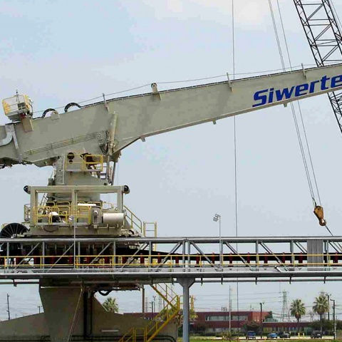 White Siwertell Ship unloader for cement, USA