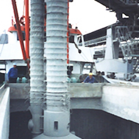Grey Siwertell spout in operation