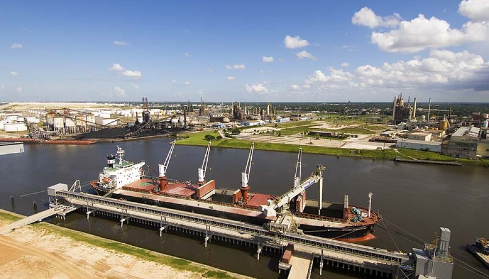 Overview of Houston cement terminal